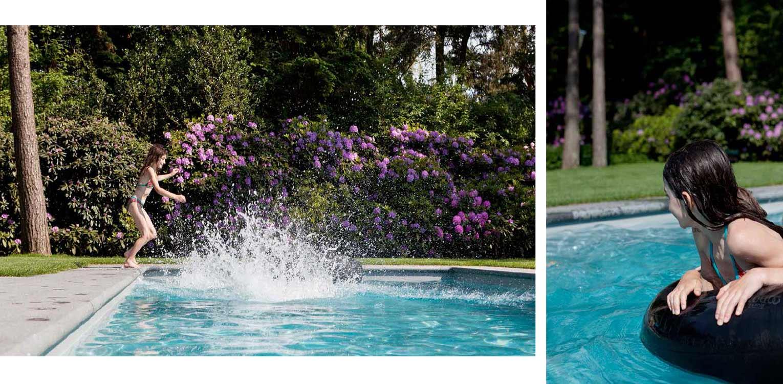 bloeiende rhododendrons in bostuin in Ermelo. De op de kavel aanwezige bossfeer is centraal gesteld in het ontwerp met het zwembad als stijlvol vormgegeven onderdeel Denkers in Tuinen