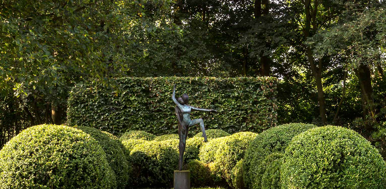 plekken creëren voor tuinbeelden in boerderijtuin Eibergen - Denkers in Tuinen.